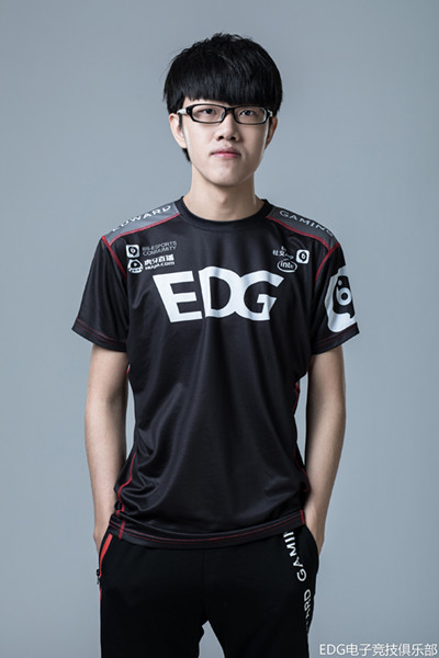 EDG青训生Minn将出征LPL,这是他们的第三位上单选手